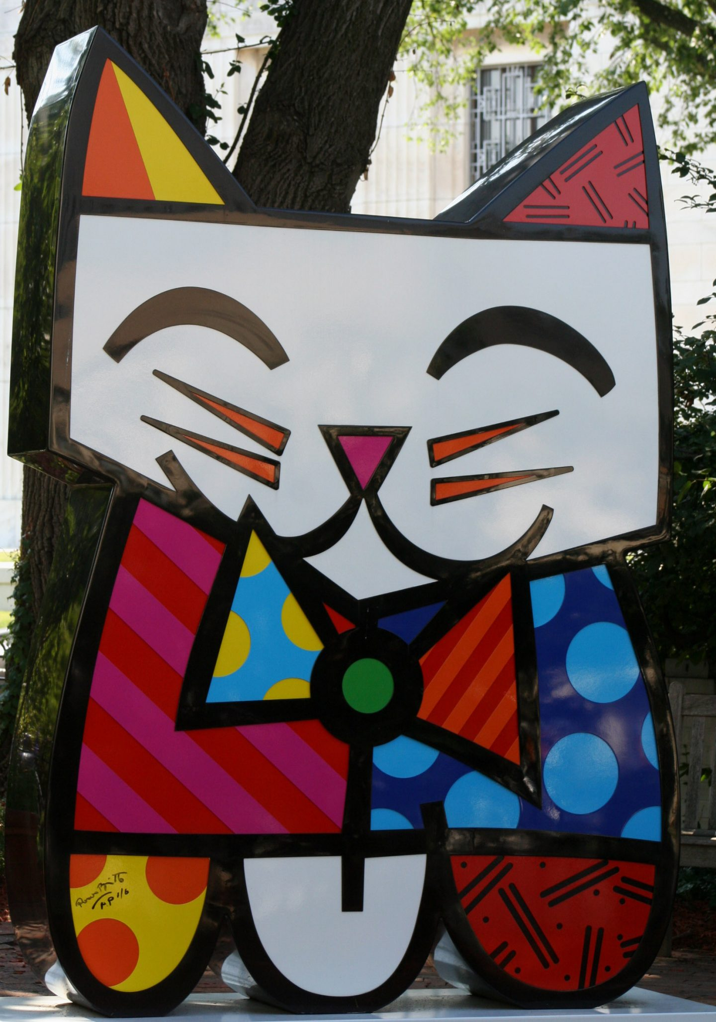 Artist Romero Britto by dbking (David) on Flickr under Creative Commons Lience 2.0.